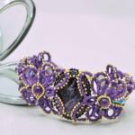 Дизайнерское женское украшение, праздничный браслет из ювелирного кружева ручной работы с натуральными чароитами и природными аметистами, авторская бижутерия, Москва, доставка по всему миру.